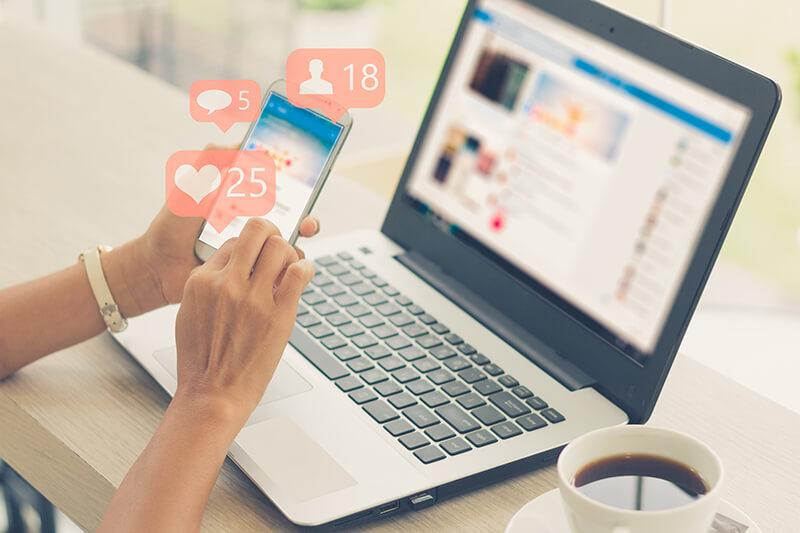 10 Skills Necessary for Managing Social Media Accounts