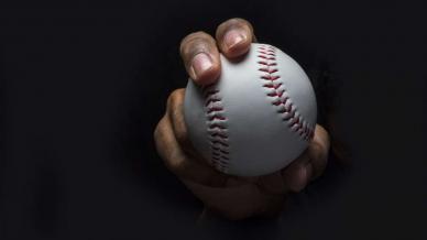 كيف يمكن أن يحسن تدريب لاعبي البيسبول أسلوبك في التدرب