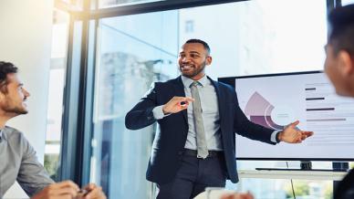 كيف تصمم برنامج تدريب على المبيعات لعملك؟
