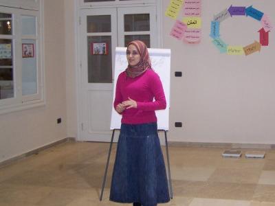 المتدربة لجين جزائرلي أثناء الاختبار