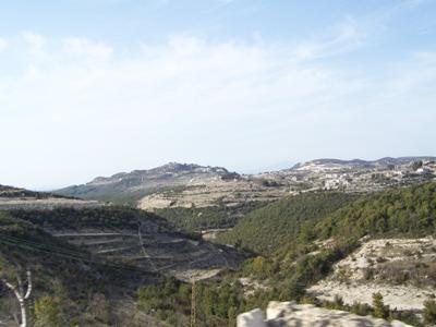 صورة من طريق العودة من مدينة صلنفة إلى مدينة اللاذقية بعد انتهاء الدورة.