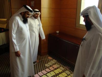 الشيخ عبدالله الزيارة ممثل مركز شباب الدوحة يقيم نتائج اللعبة