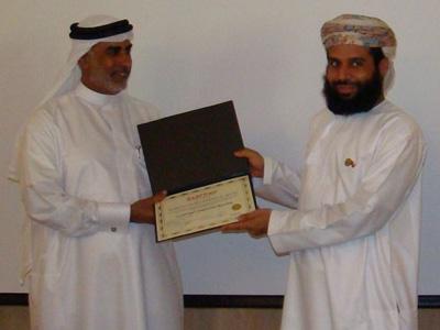 المدرب فهد أبو العينين يعطي شهادة حميد الهنائي من عُمان