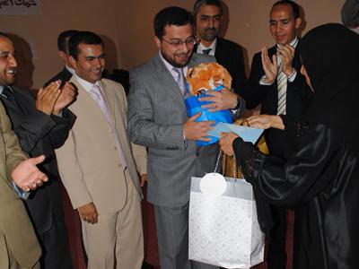 الدكتورة هناء الليث ترسل هدايا لحرم الدكتور بدرة وابنائه الثلاثة....