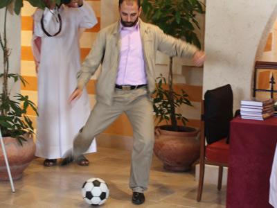 الهداف الدولي محمد شبلي أثناء التستيدات النهائية
