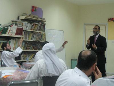 جانب من مشاركة المتدربين الفعّالة في  دورة الملف المهني.