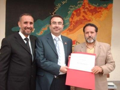 الدكتور لطفي الحضري والمهندس ناصر الخطيب والأستاذ ابراهيم تلوى في حفل توزيع الشهادات