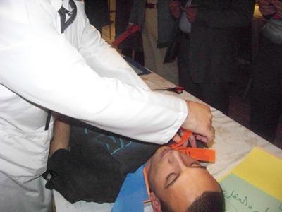 المتدرب محمد عمران المرابط يتابع عملية زرع الصفات المحمودة