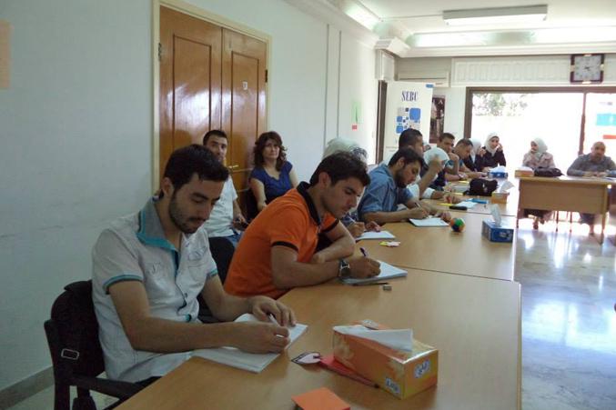 سوريا - دمشق: المدربة لينا ديب تنهي دورة إدارة الضغط