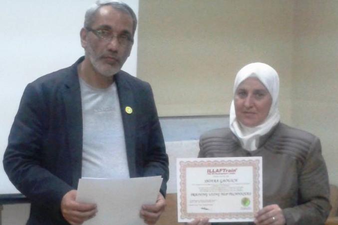 صورة من توزيع الشهادات