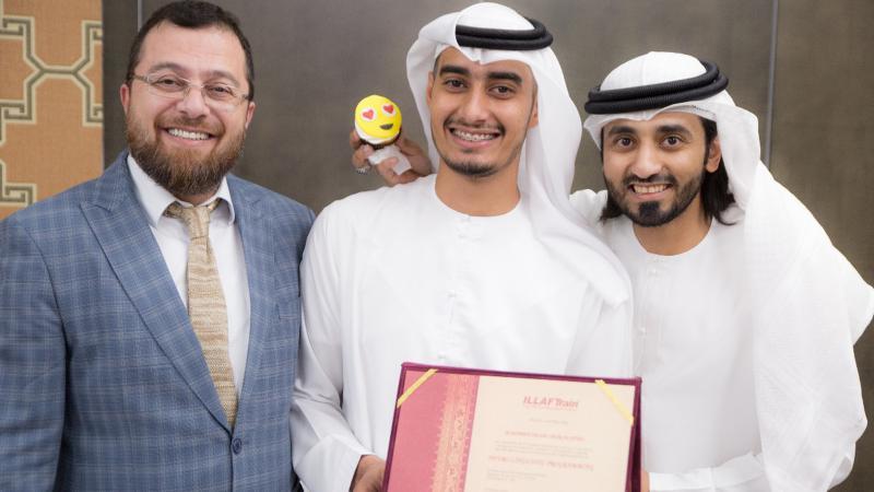 صورة تذكارية مع الدكتور محمد والمدرب ماجد