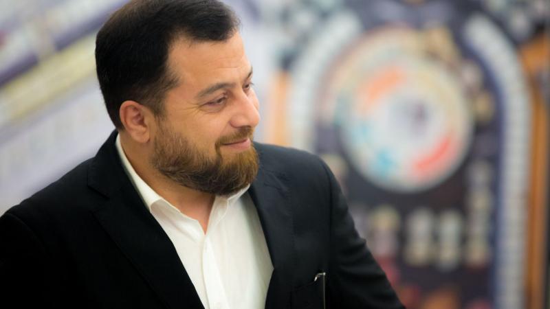 الاستشاري الدكتور محمد بدرة أثناء الدورة