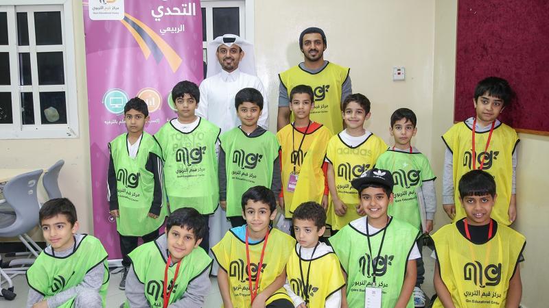 صورة جماعية مع المدرب احمد