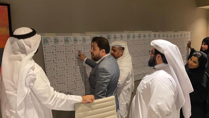 الدكتور محمد أثناء إشرافه على تنفيذ التمرينات