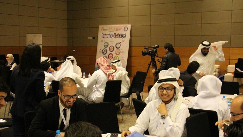 المدرب حسين حبيب السيد مشرفا على تنفيذ التمرينات