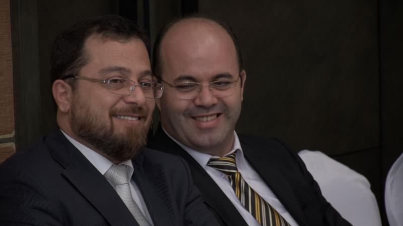 الدكتور محمد والمدرب أول عادل عبادي وابتسامة رضا على الإنجازات المحققة