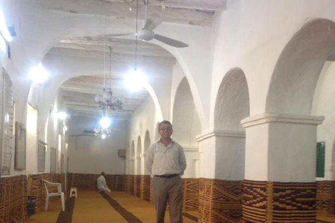 من داخل الجامع العتيق وعبق من التاريخ والحضارة