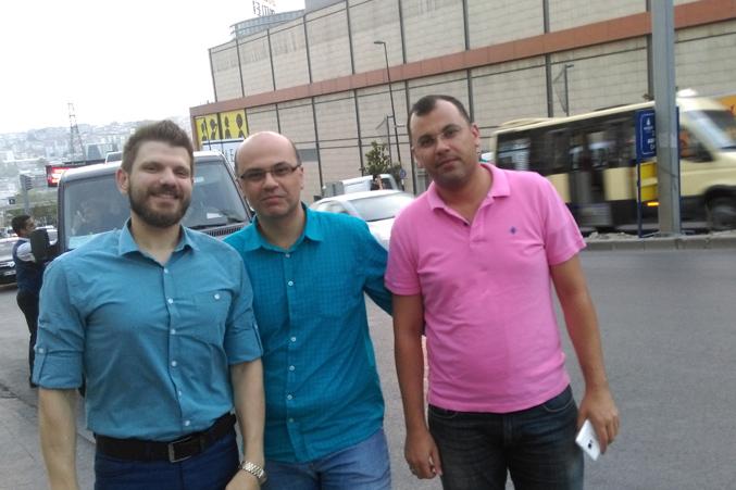 المدرب علاء والاستاذ عمار والمتدرب رامز وسعادة وسرور
