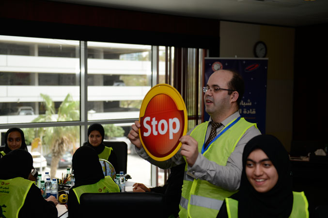 المدرب عادل عبادي مشرفا ومشاركا في تنفيذ التمرين