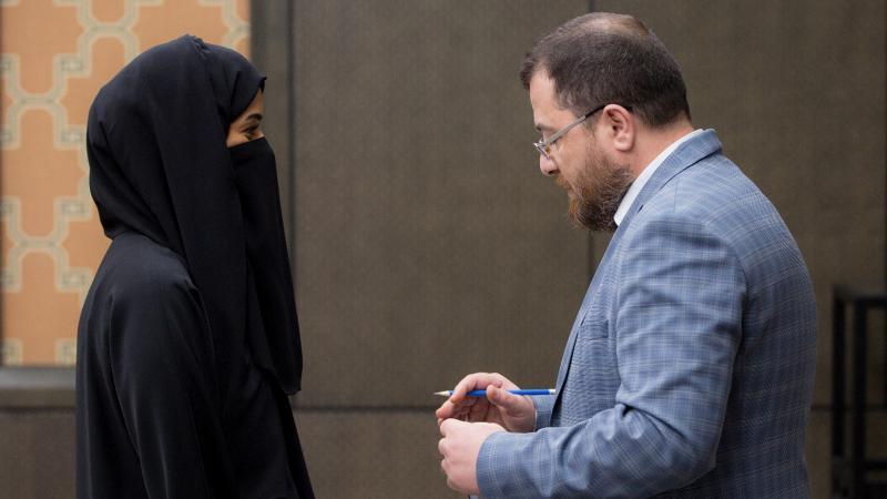 الدكتور محمد بدرة أثناء الإشراف والمتابعة