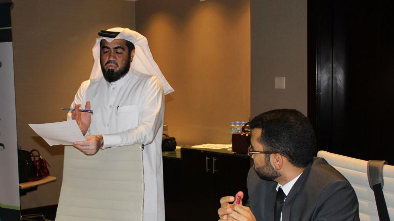 المدرب حسين أثناء إلقائه لكلمة الختام