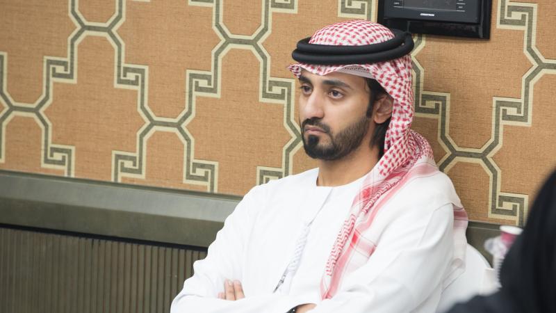 تركيز المدرب الخبير ماجد على شرح الدكتور محمد