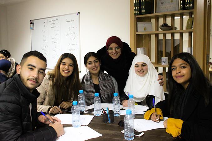 أجواء المتعة والتفاعل خلال الورشة التي قدمها المدرب محمود