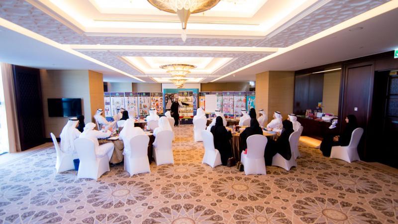 مجموعات المتدربين أثناء تلقي الشرح
