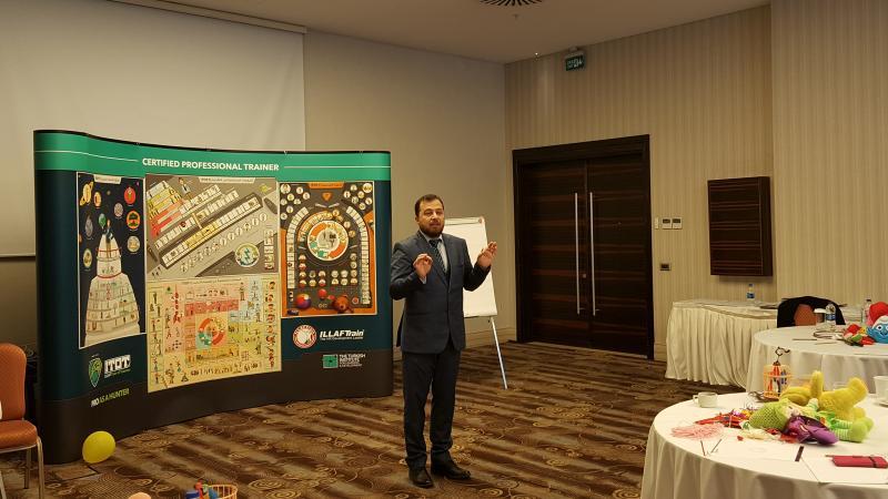 الدكتور محمد بدرة رئيس فريق التدريب