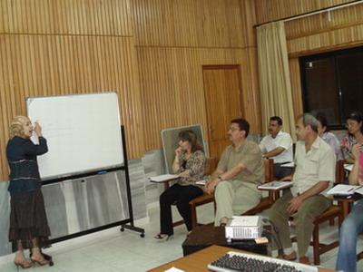 سوريا – اللاذقية: دورة إدارة المكاتب تقدمها المدربة جوليا شريقي لمصفاة بانياس