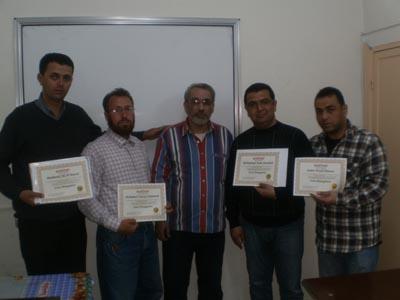 سوريا - حمص: أبناء مخيم العائدين في حمص يتغلبون على ضغط العمل