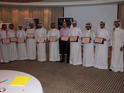 قطر - الدوحة: انتهاء دورة دبلوم البرمجة اللغوية العصبية مع المدرب عادل عبادي