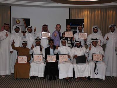 قطر - الدوحة: إنتهاء دورة دبلوم البرمجة اللغوية العصبية مع المدرب عادل عبادي
