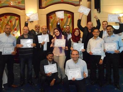 الامارات – دبي: امتزاج العلم مع الفن في دورة القيادة في مجال الأعمال للمدراء مع المدرب د. سعيد قمحة