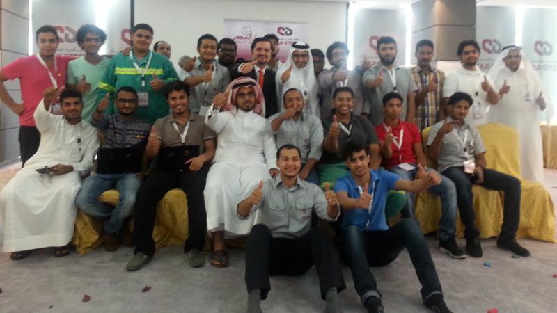 السعودية - جازان : طائرة خطوط مهارات الإتصال تحط الرحال في جيزان مع الكابتن مصطفى عبدالله