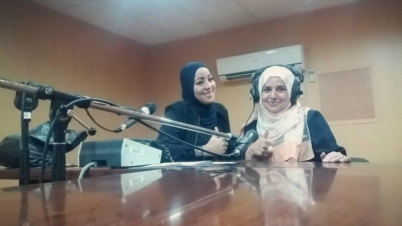 التفوق الدراسي لقاء مميز مع المدربة عاشة لزنك عبر إذاعة راديو الزيبان