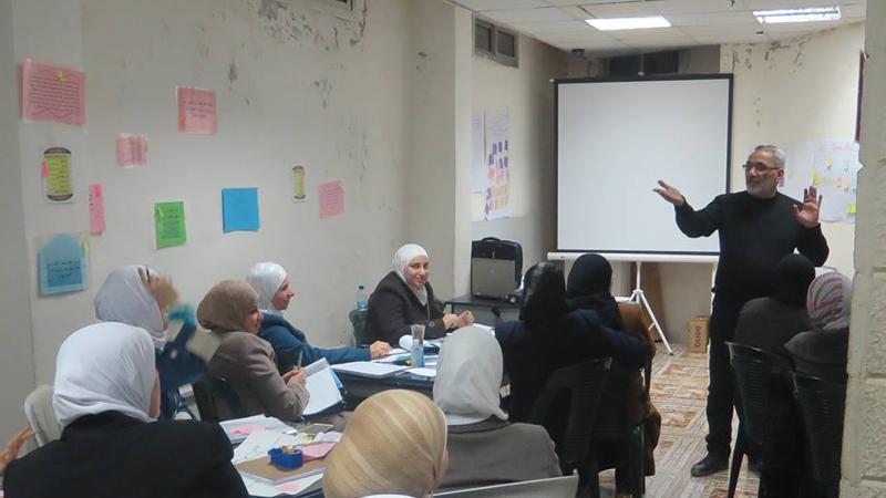 استمرت الدورات واستمر العمل والجهد والإبداع من المدرب الاستشاري د. محمد عزام القاسم في طرطوس