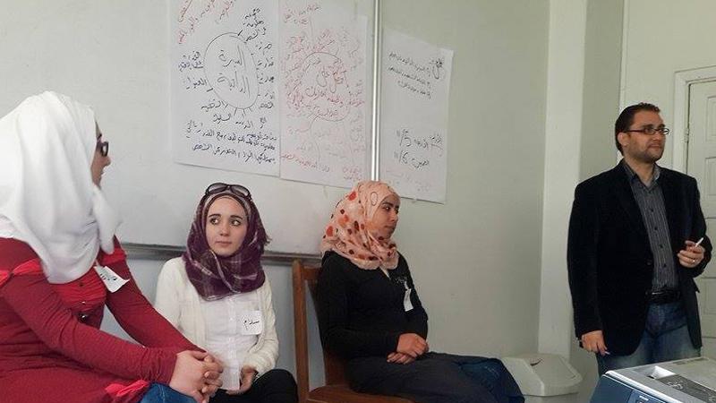 سوريا - حماة: بطاقة أعمال في جنبات الإقتصاد مع المدرب محمد إياد الزعيم