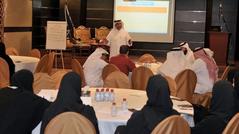 المدرب أول حمد الشمري يختتم دورة مهارات العمل الجماعي في وزارة الثقافة والرياضة في الدوحة