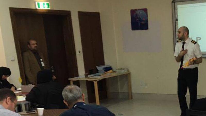 الإمارات-دبي: شهادة شكر وتقدير للمدرب يوسف دوارة لمشاركته في دورة البرمجة اللغوية العصبية في دبي