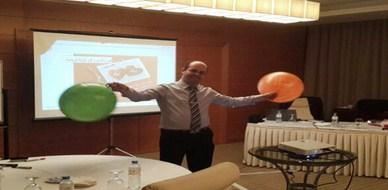 قطر - الدوحة: اختتام دورة التربية بالحب للمدرب عادل عبادي