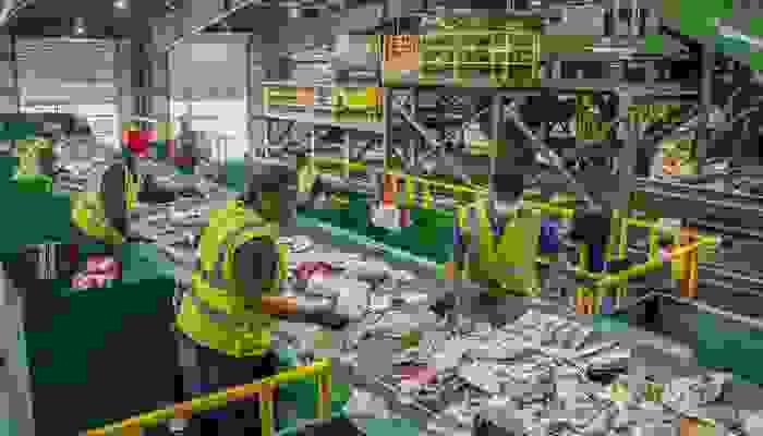 إعادة تدوير النفايات