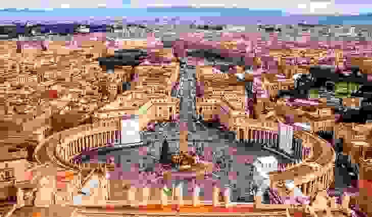 مدينة الفاتيكان (0.44 كيلومتراً مربعاً)