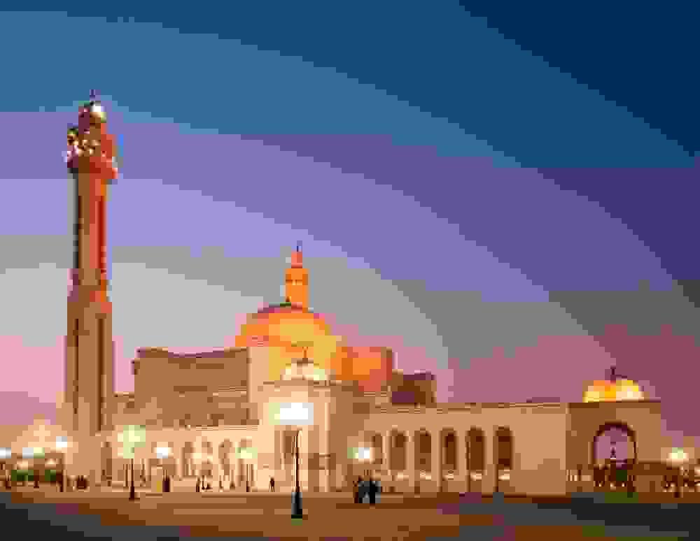 مسجد الفاتح الكبير في المنامة عاصمة البحرين