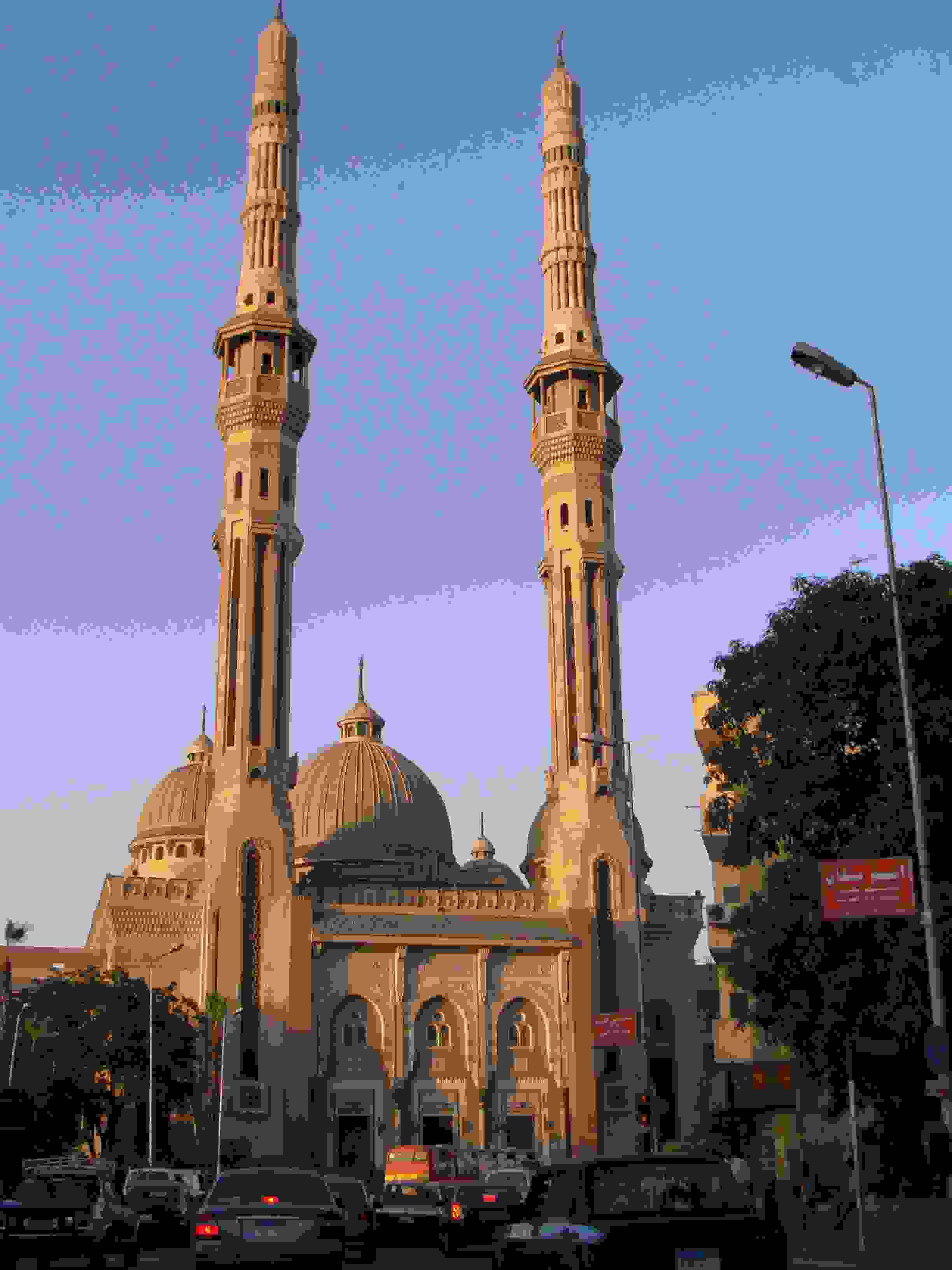مسجد النور في القاهرة عاصمة مصر