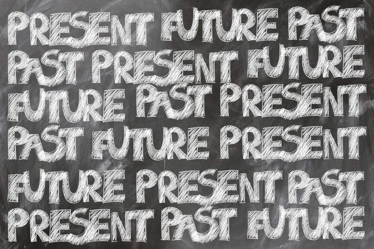 مقاومة الرغبة في العيش في الماضي المظلم