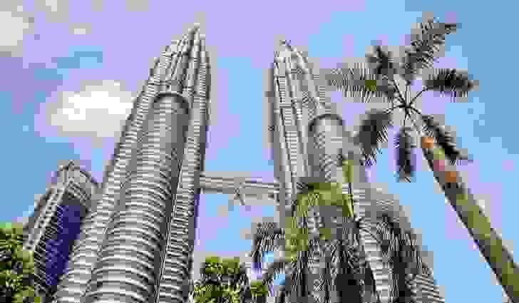 يوجد في ماليزيا أطول مبنيين توأمين في العالم