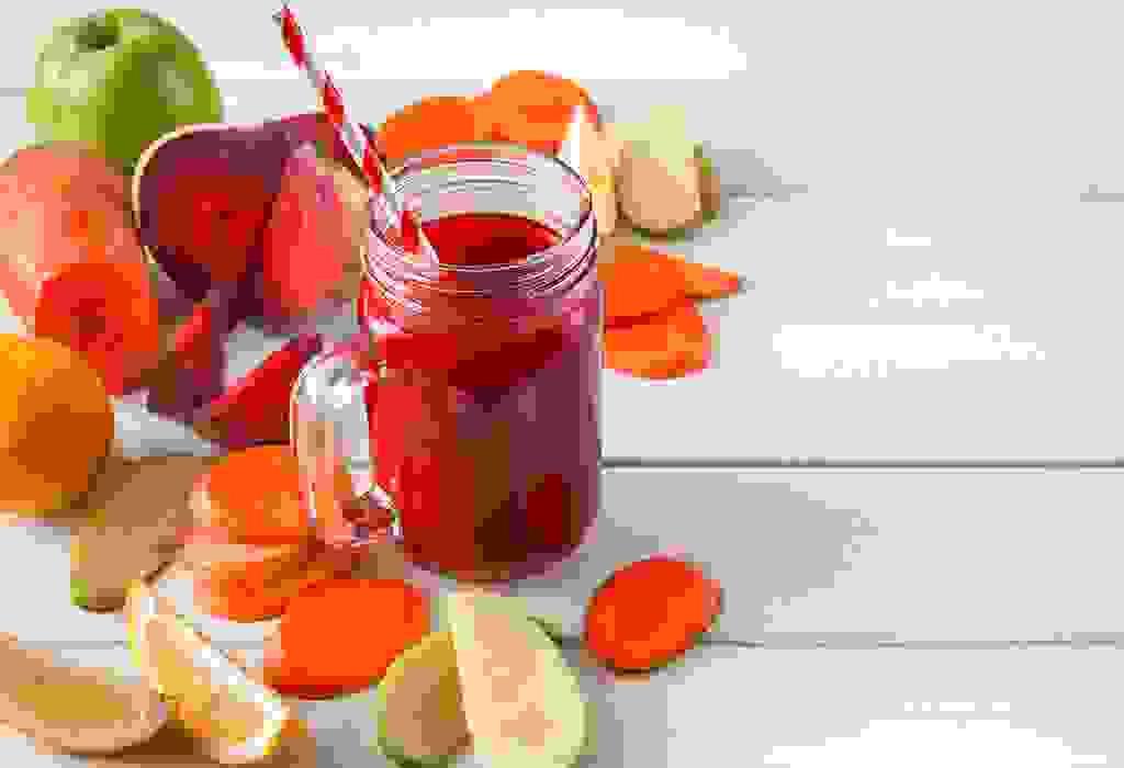 عصير التفاح، والشمندر، والجزر