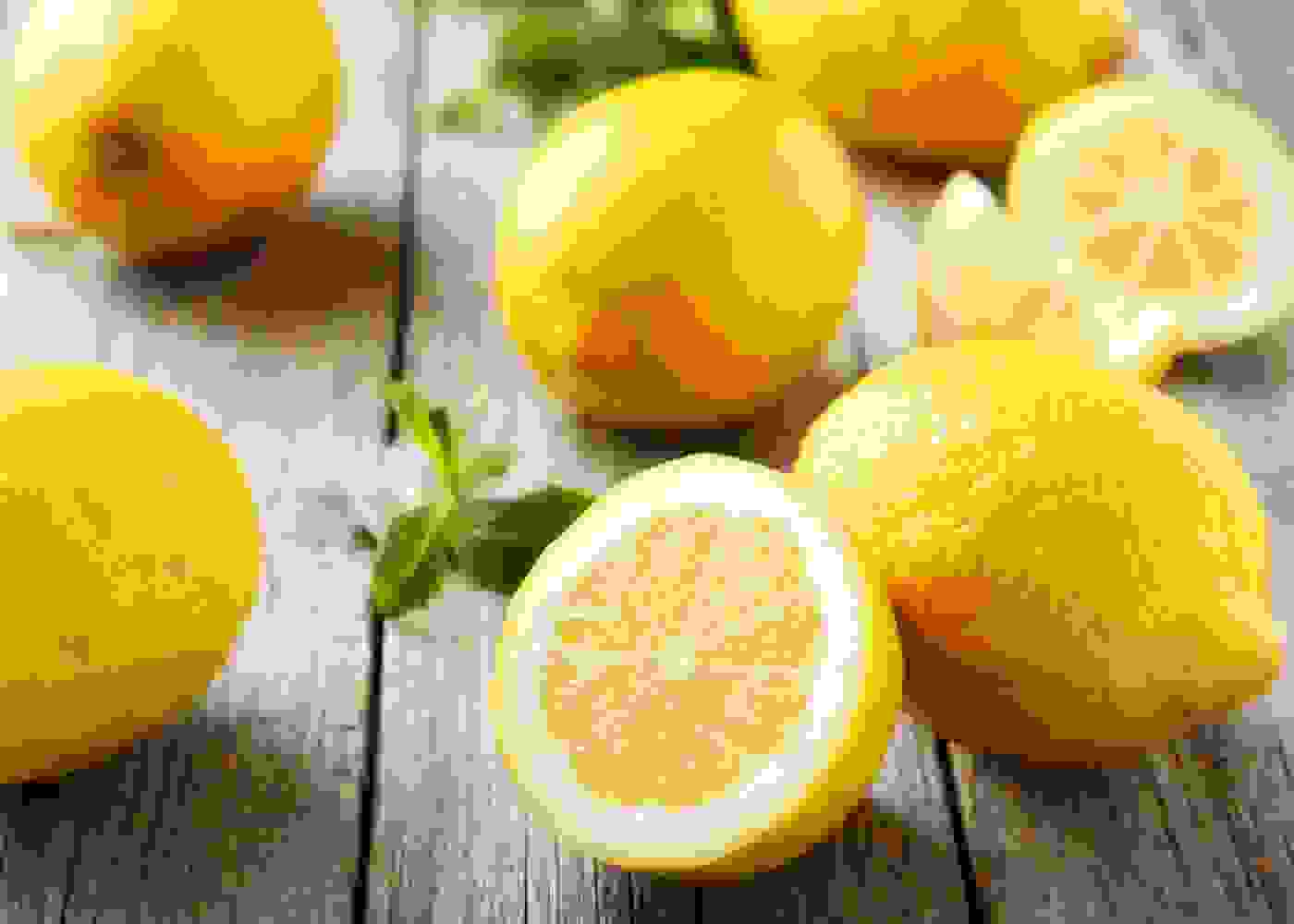 الليمون الحامض