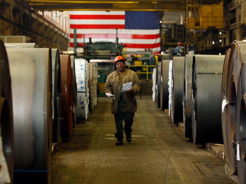 عمال بناء الهياكل الحديدية والفولاذية